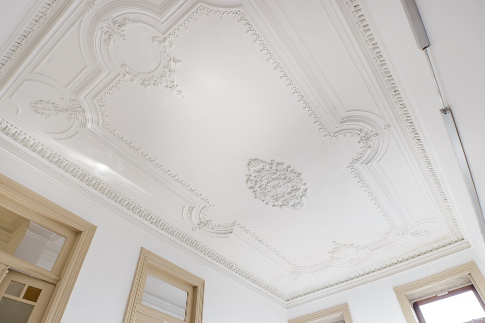plaster ceiling cornice
