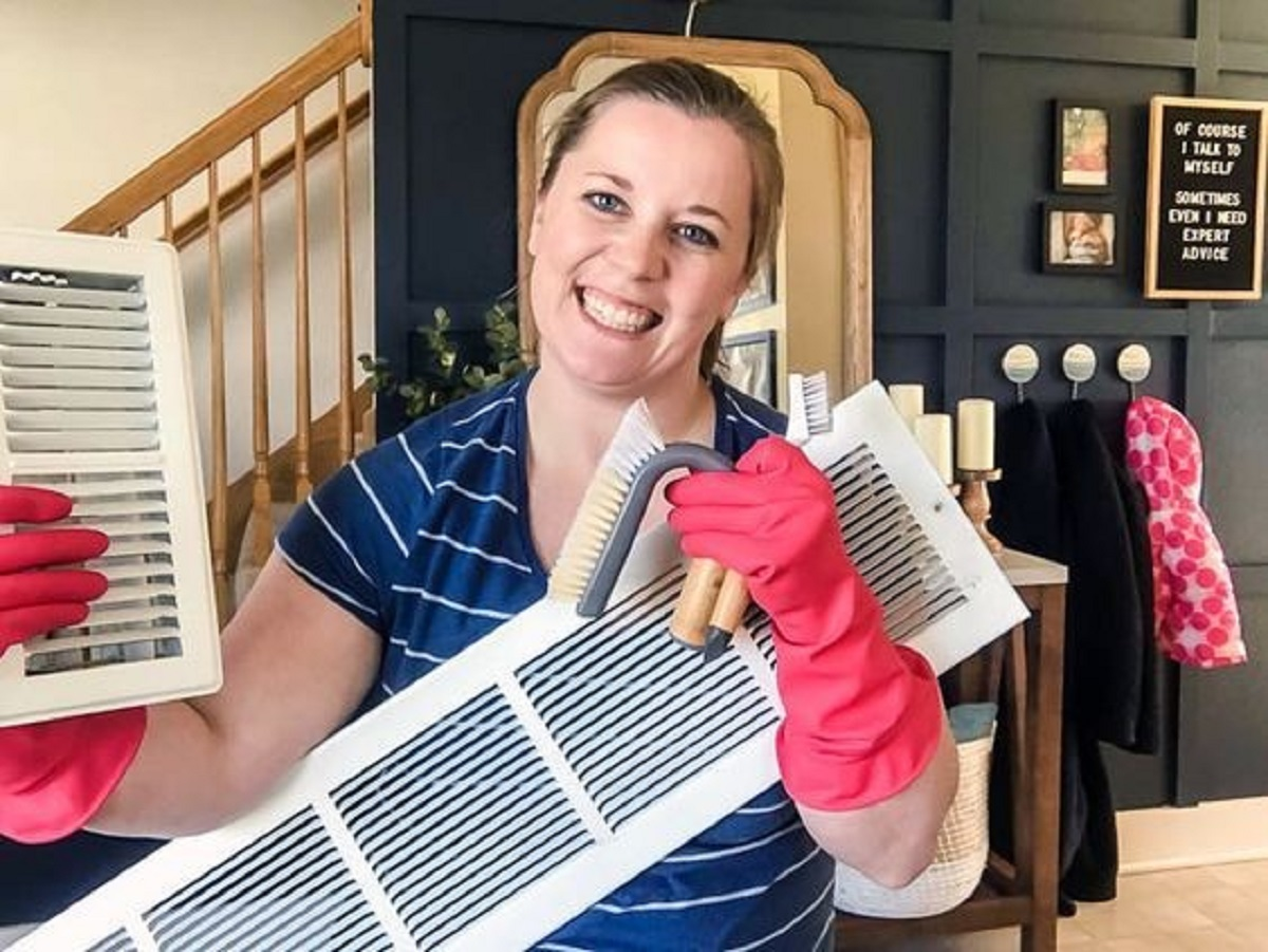 When and How to Hire the Best Air Duct Cleaning Services Out There