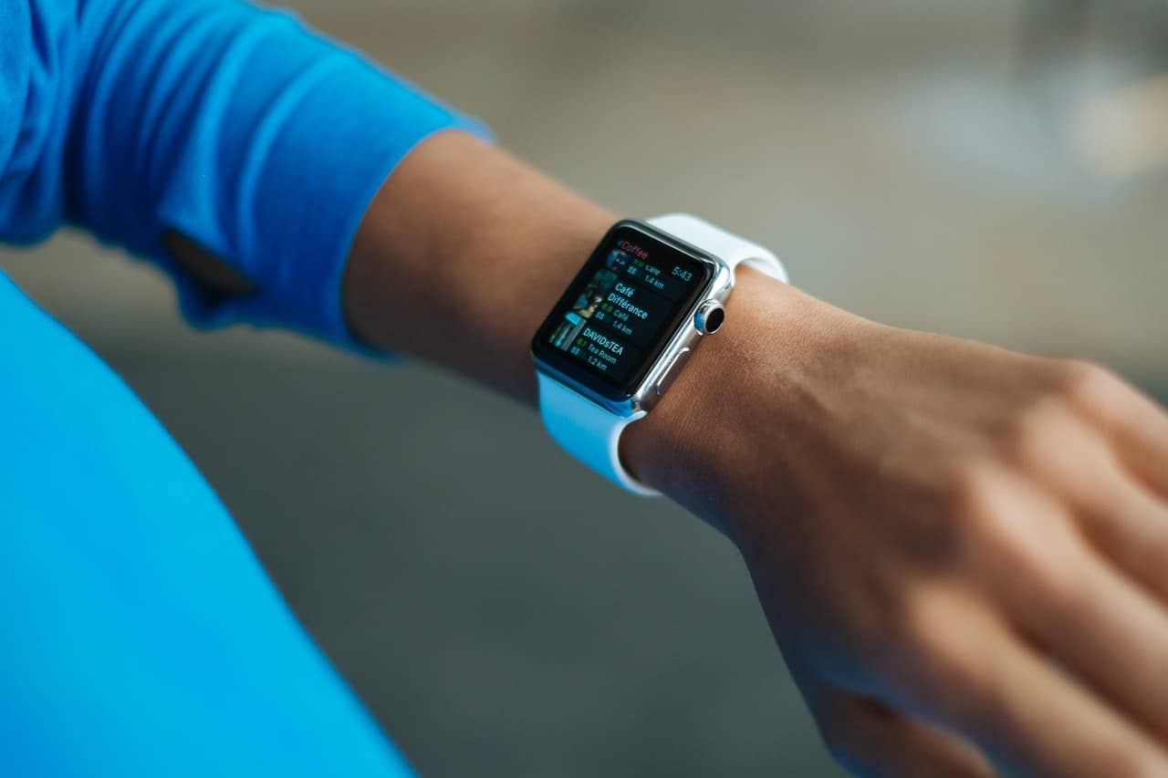 How to adjust time on a Fitbit