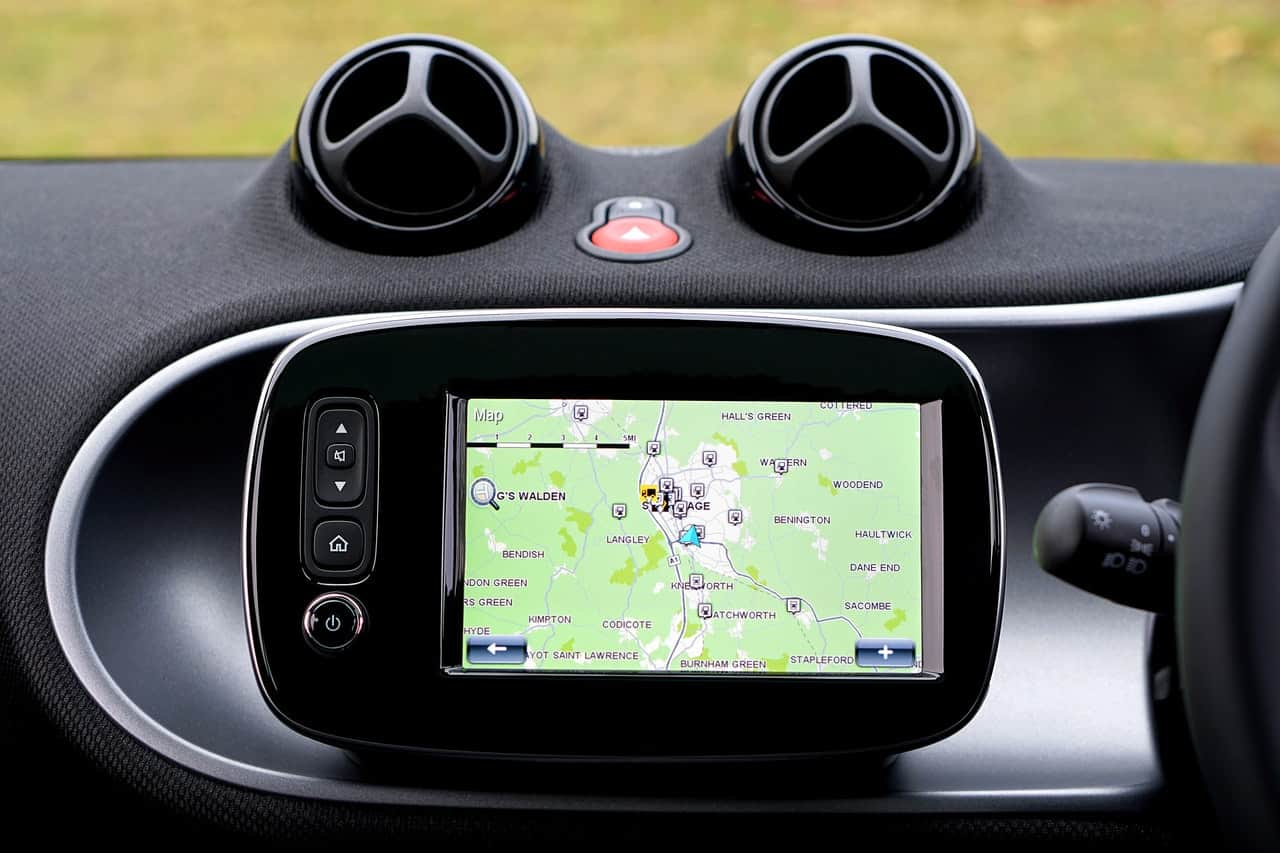 Why Companies Should Install GPS Fleet Trackers